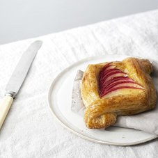 The_Artisan_Baker_Organic_Bakery_Stroud_Seasonal_Fruit_Danish_1