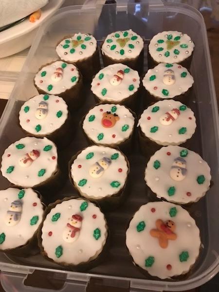 Maryanne-xmas-cupcake